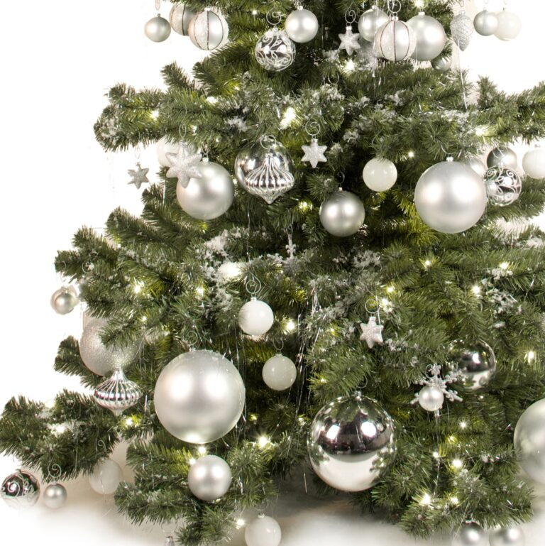 Basic-Tree-Silver-Ornaments